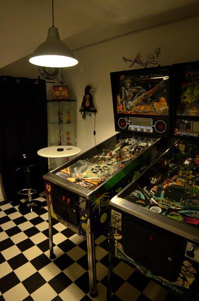ma gameroom enfin flipperfrance. Black Bedroom Furniture Sets. Home Design Ideas