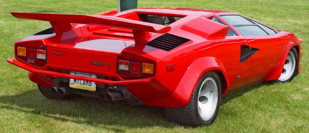 Lamborghini-Countach-Rear-Angle-Red-4-st.jpg