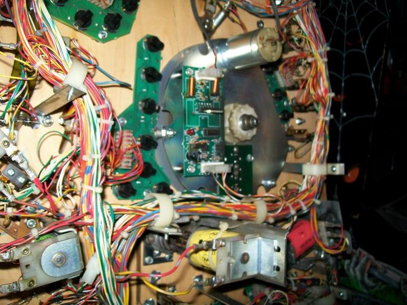 dessous-plateau-mecanisme-disque-tournant.jpg